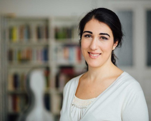 Julia Kadar
